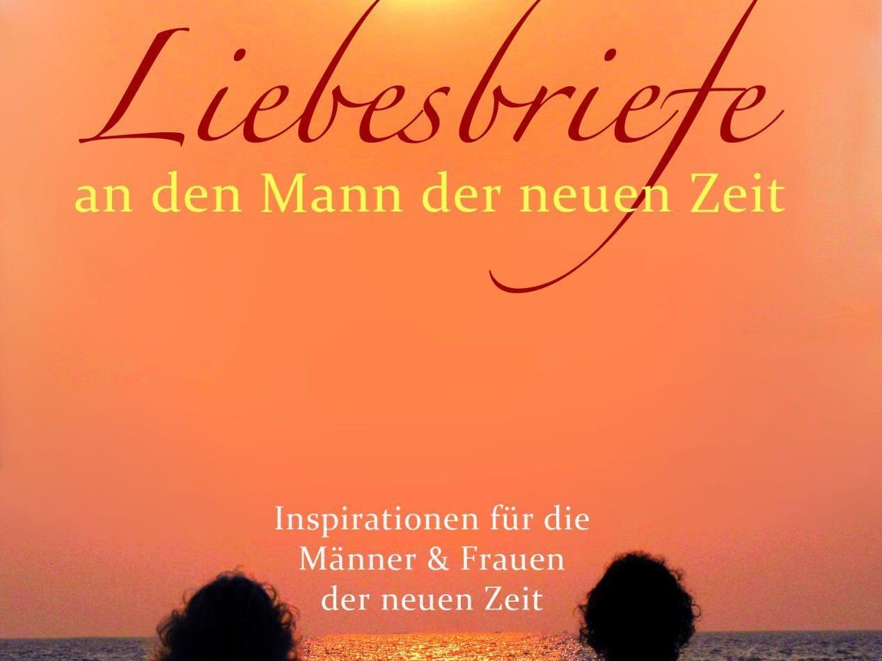 """Christiana Mandakini Jacobsen präsentiert ihr erstes Buch """"Liebesbriefe an den Mann der neuen Zeit""""."""