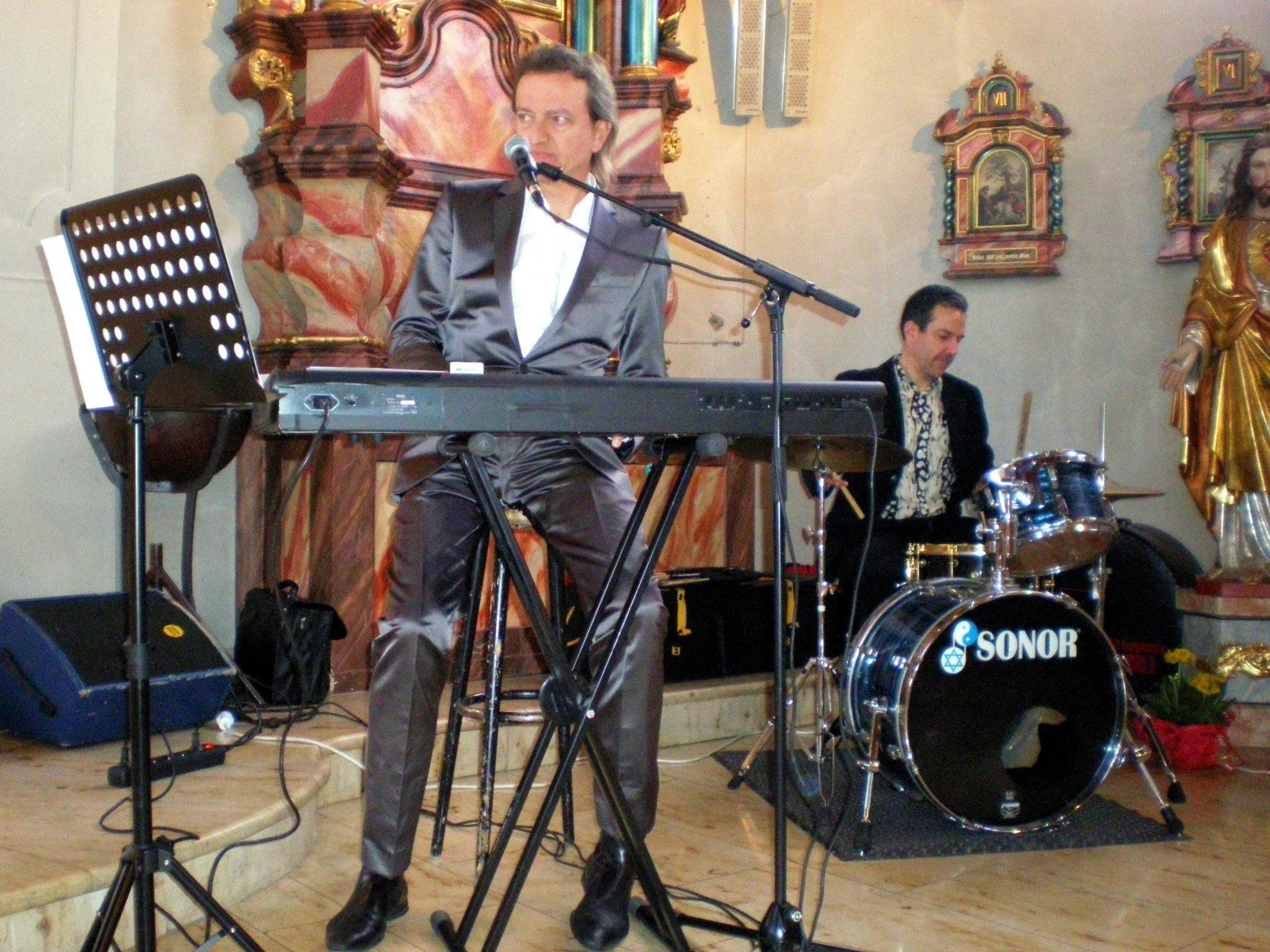 Rhythmische Gospelmesse mit Markus Linder