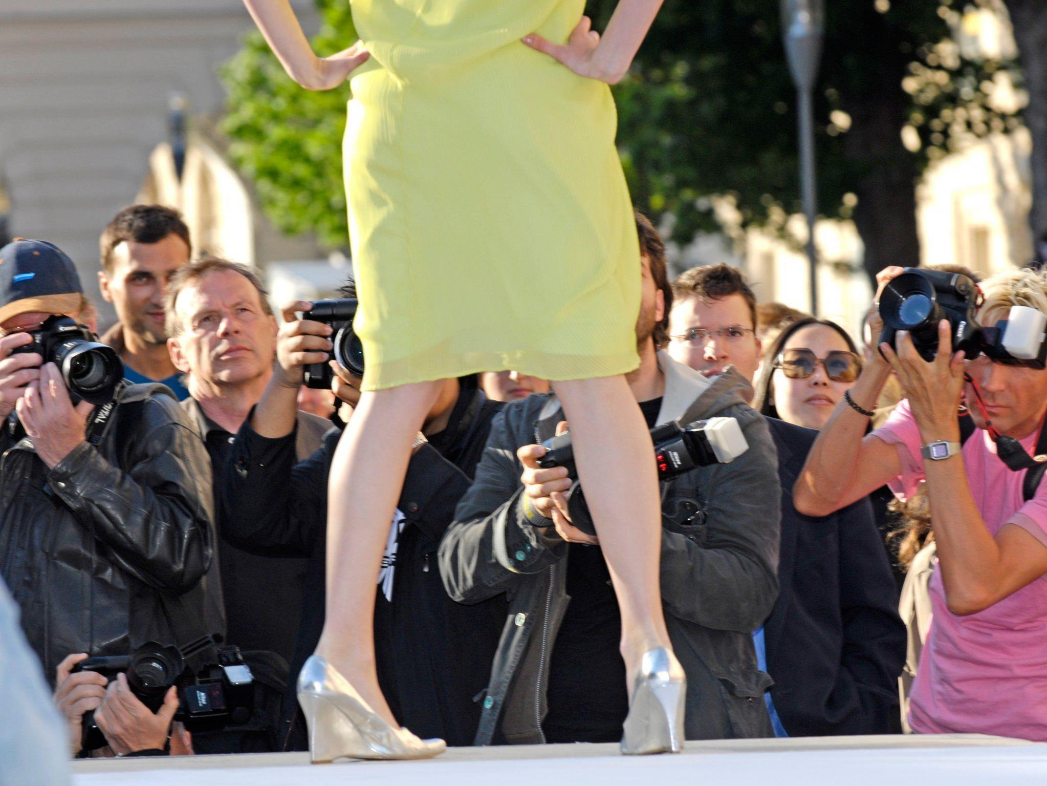 """Nicht nur Modefans kommen beim """"Summer of Fashion"""" auf ihre Kosten, denn alles dreht sich um Kunst und Mode."""