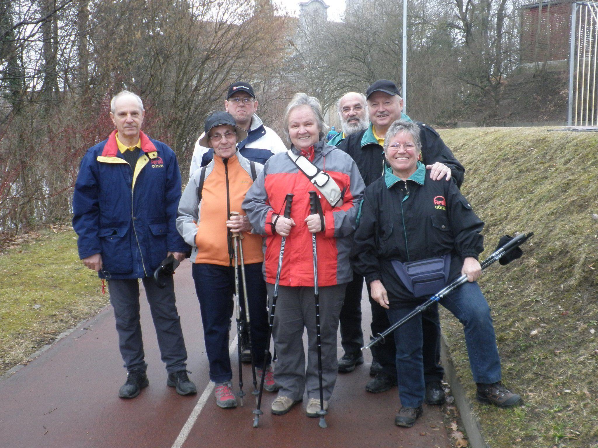 Werner, Elfriede, Gerhard, Blanka,Karl, Wilfried und Helga vor dem Begehen der Strecke