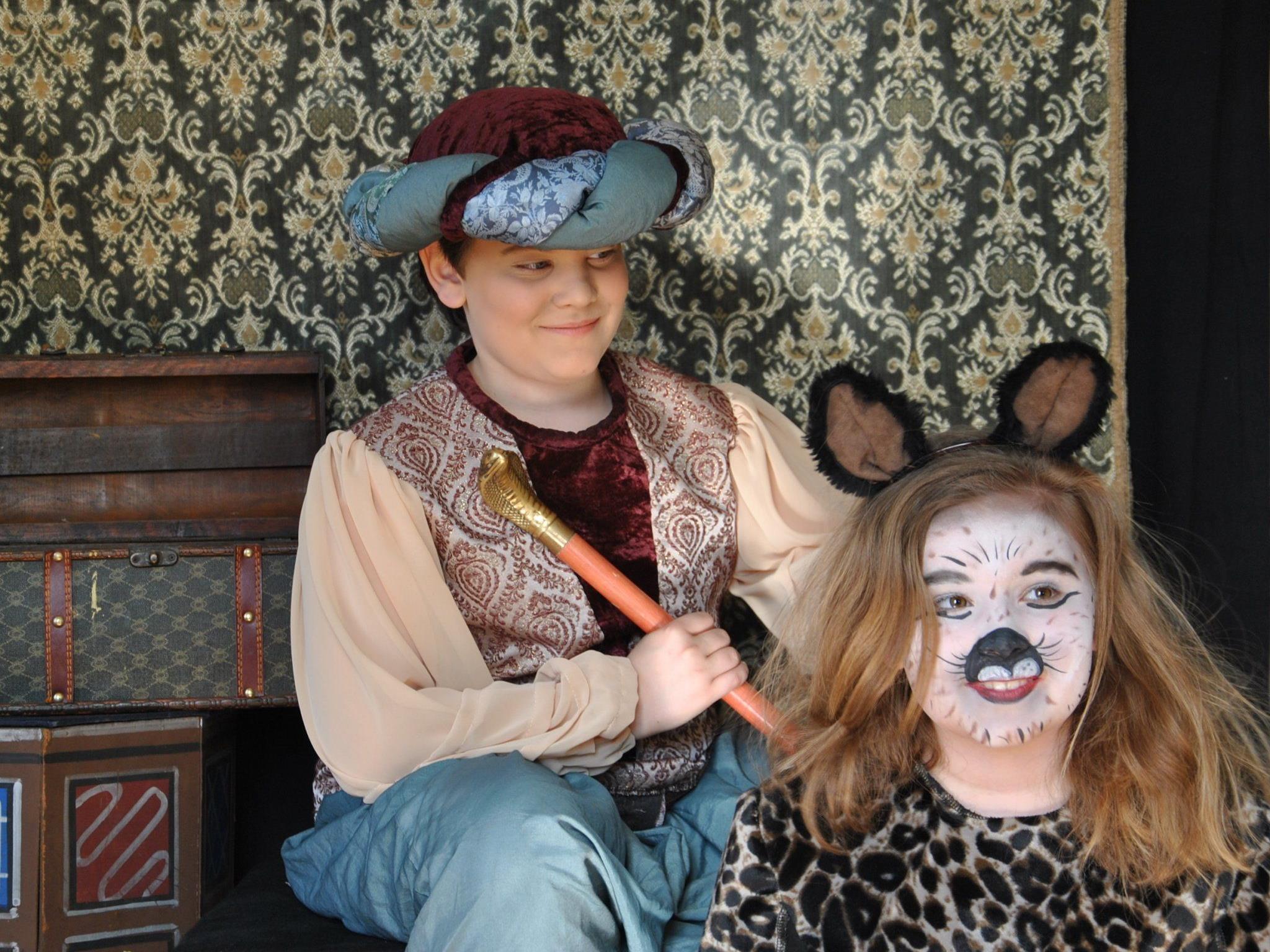 Der kleine Muck und seine Freundin die Katze Muschemau