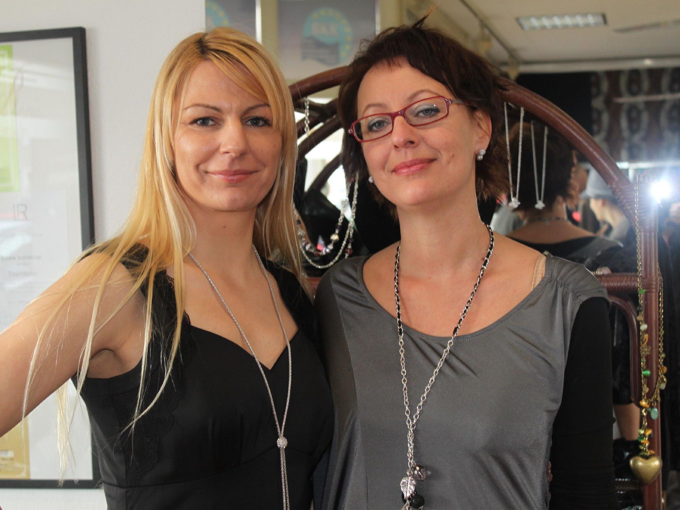 """""""Liebreiz""""-Team und Viktoria Furmann (li.) und Sabine Tschütscher."""