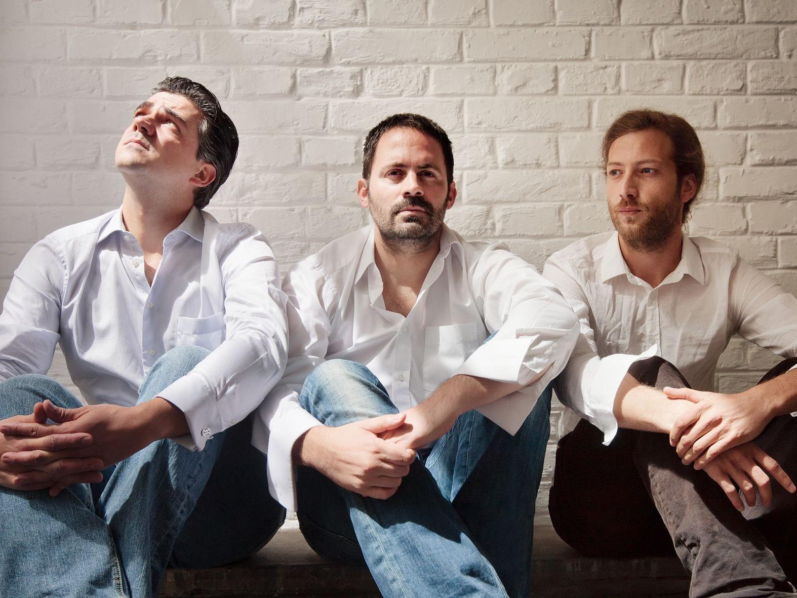 Das neue Ulrich Drechsler Trio, mit dabei der Vorarlberger Pianist Benny Omerzell