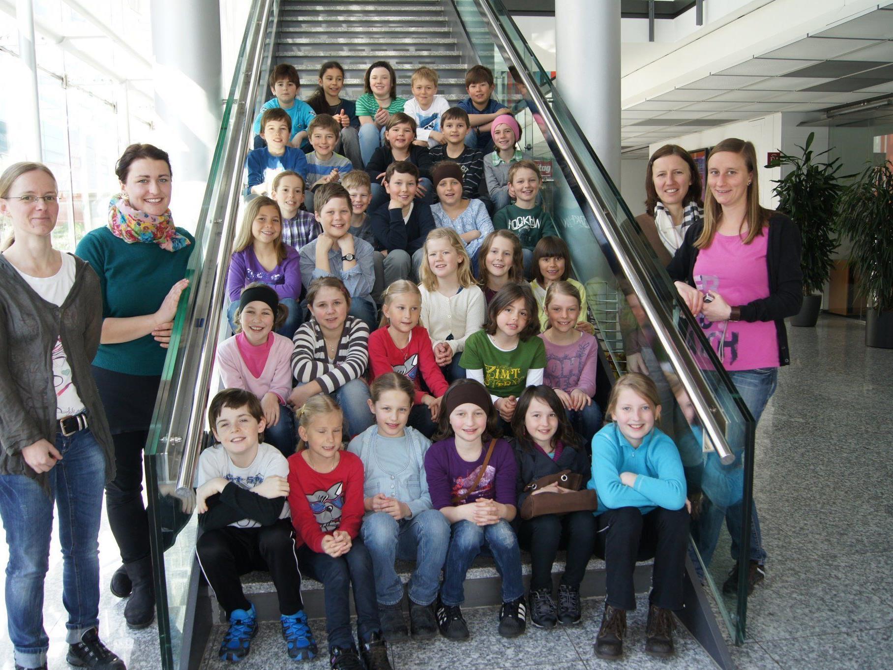 Die Schüler der 3. und 4. Schulstufe der VS Bizau beim Besuch im VMH.