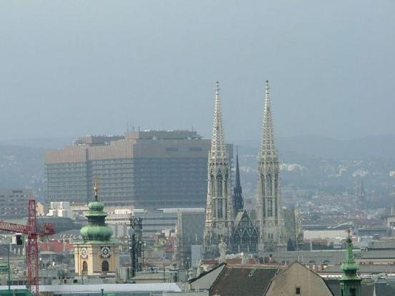 Im AKH Wien fliegen weiter die (Putz)Fetzen