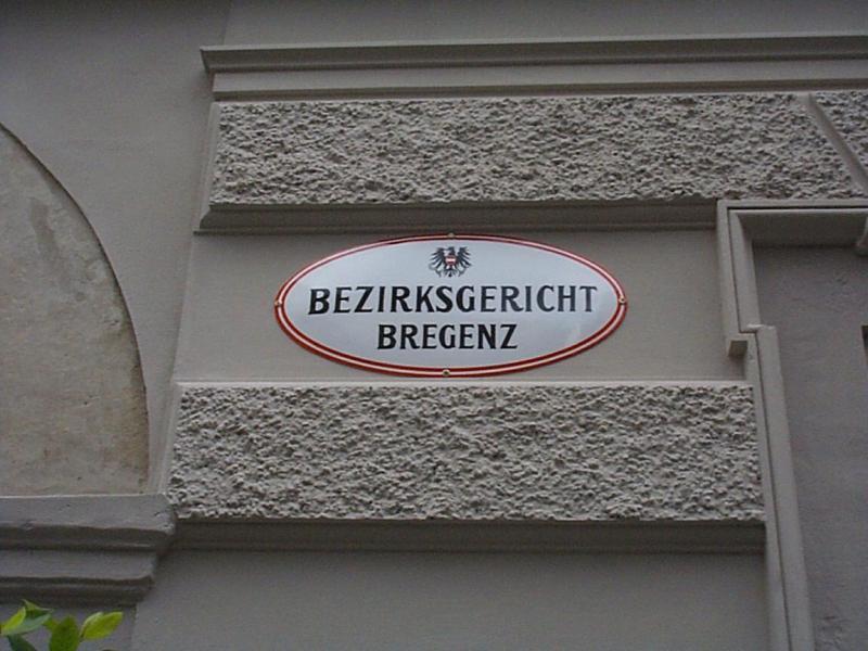 Gestern begann am Bezirksgericht Bregenz ein Erbprozess, den elf Verwandte gegen Mutter und Tante von Landesgerichts-Vizepräsidentin Kornelia Ratz führen