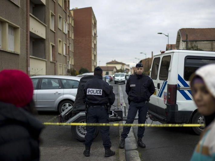 Polizeikreise: 29-Jähriger bei Diebstahl von Tatfahrzeug anwesend