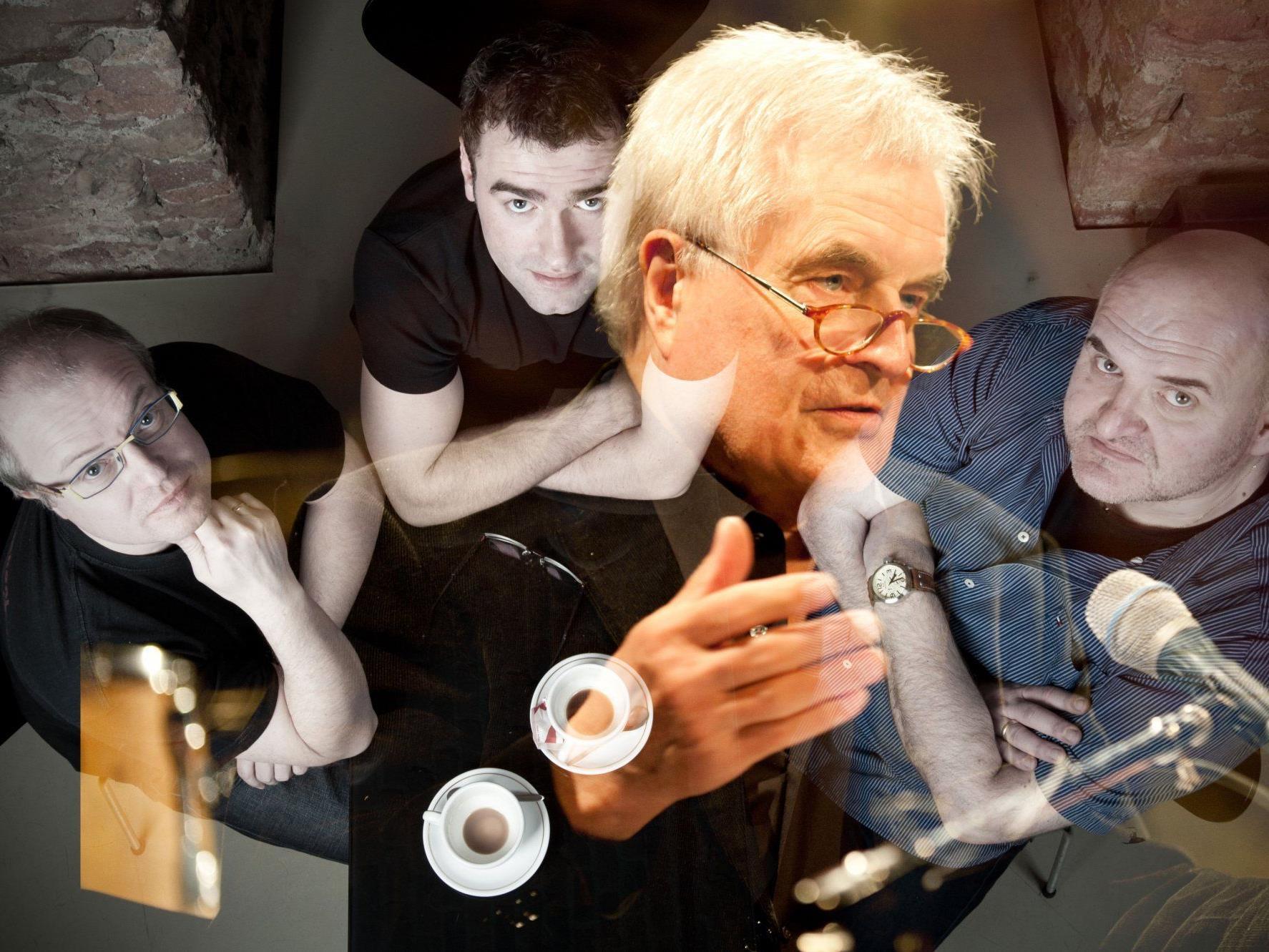 Frank Hoffmann liest mit Musikbegleitung von Roland Kramer, G. Endstrasser und M. Gasselsberger.