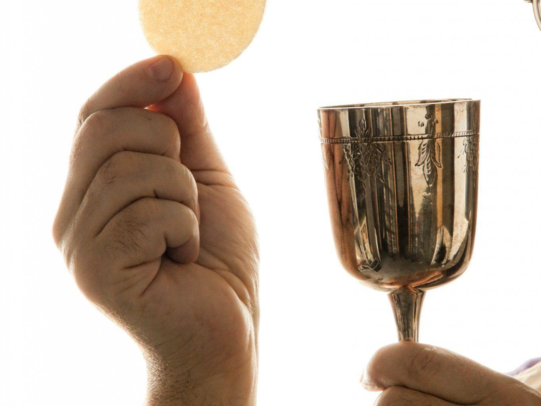 Privaten Eucharistiefeiern werden weiter kirchenintern untersucht.