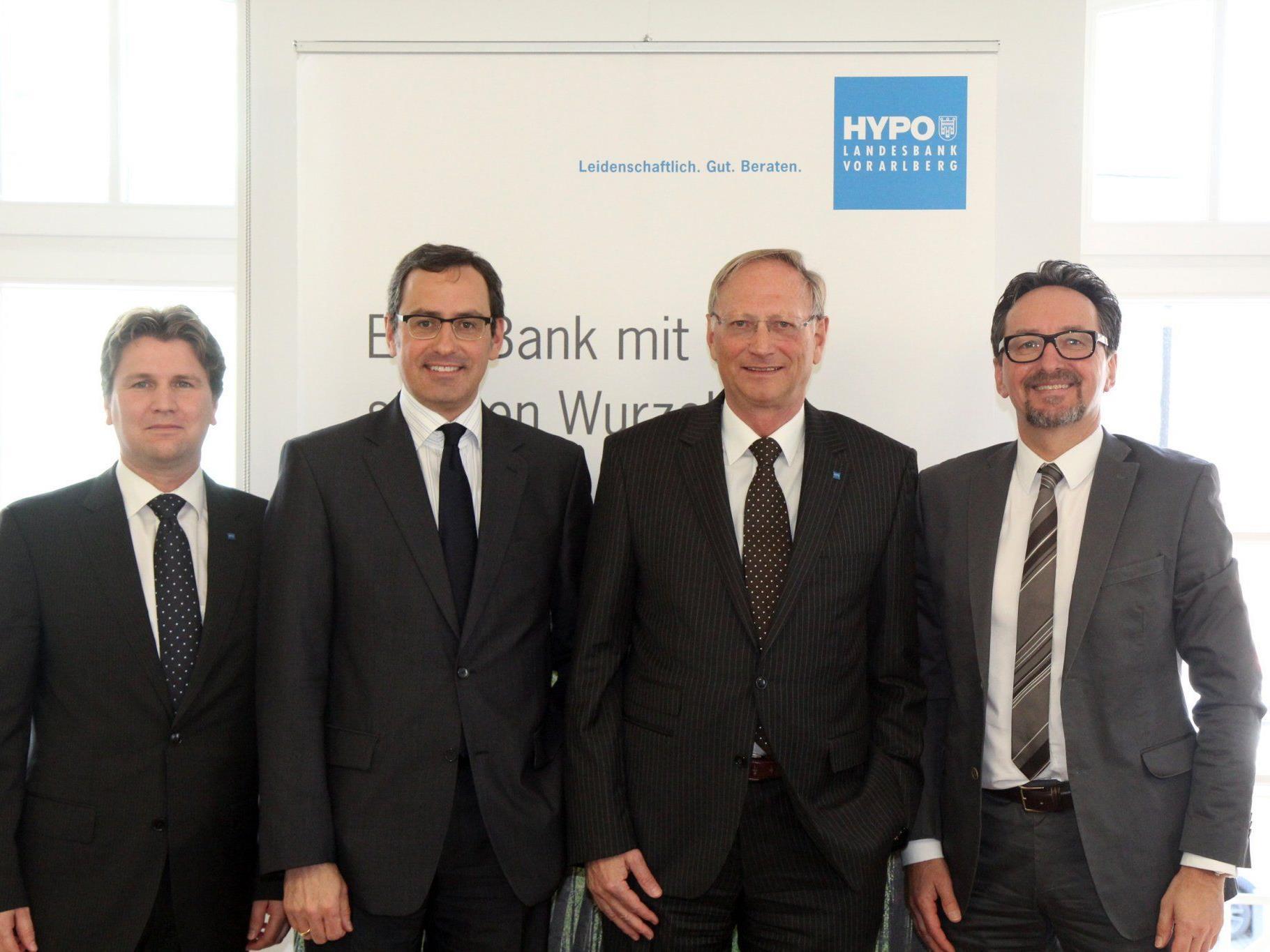 Vorstand der Hypo Vorarlberg stellt Zahlen vor.