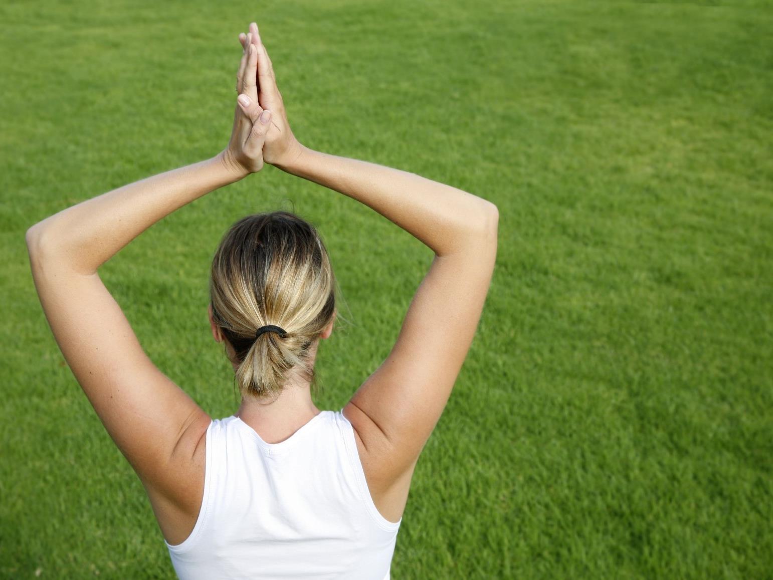 Neue Bewegungsmuster und mehr Wohlbefinden mit aks Feldenkrais-Kursen