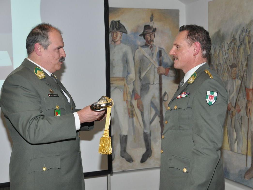 Oberst Ing. Martin Hämmerle (re.) bei der Ehrung in Bregenz