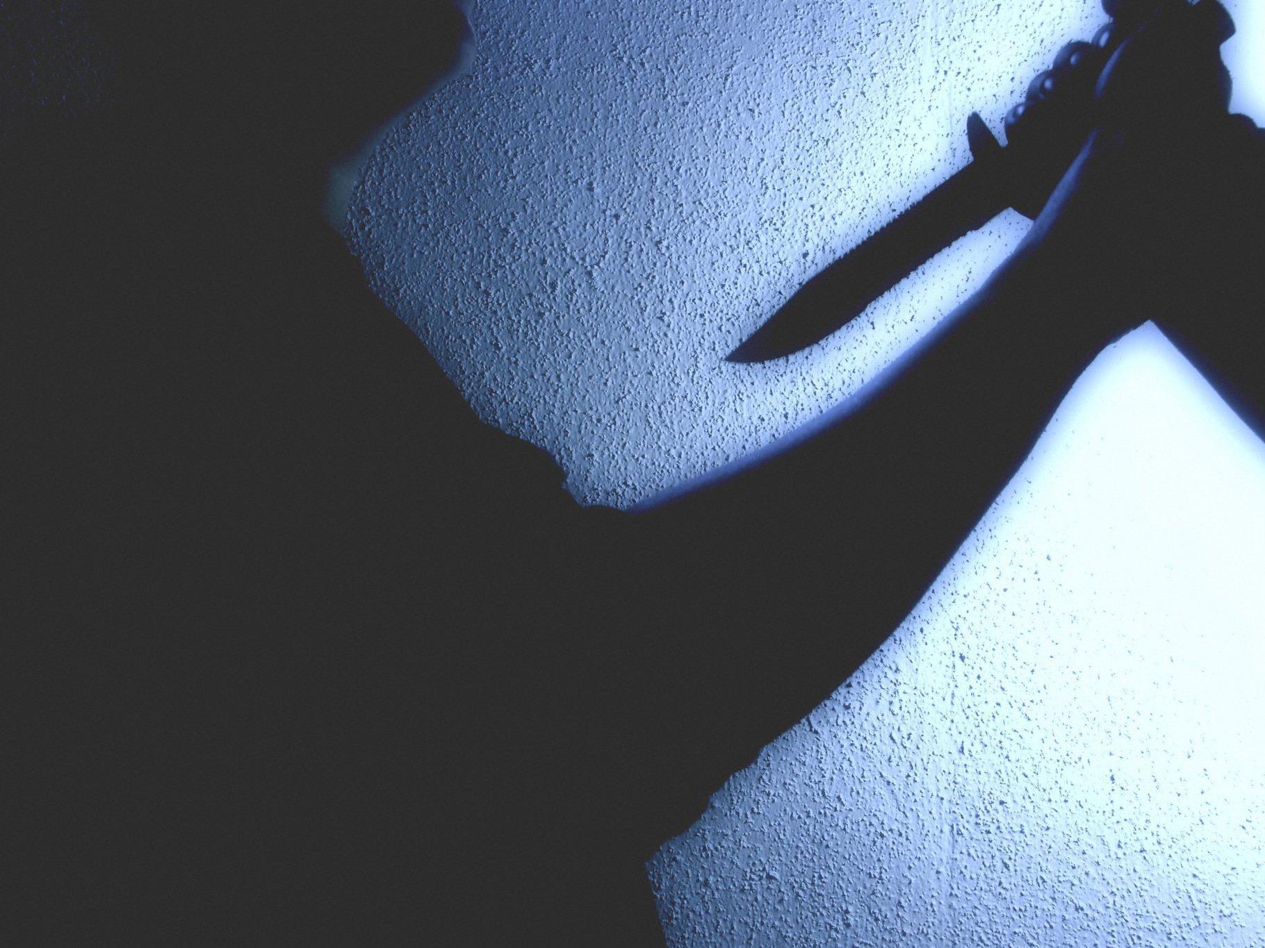 Die Frau attackierte ihren Lebensgefährten mit einem Küchenmesser.
