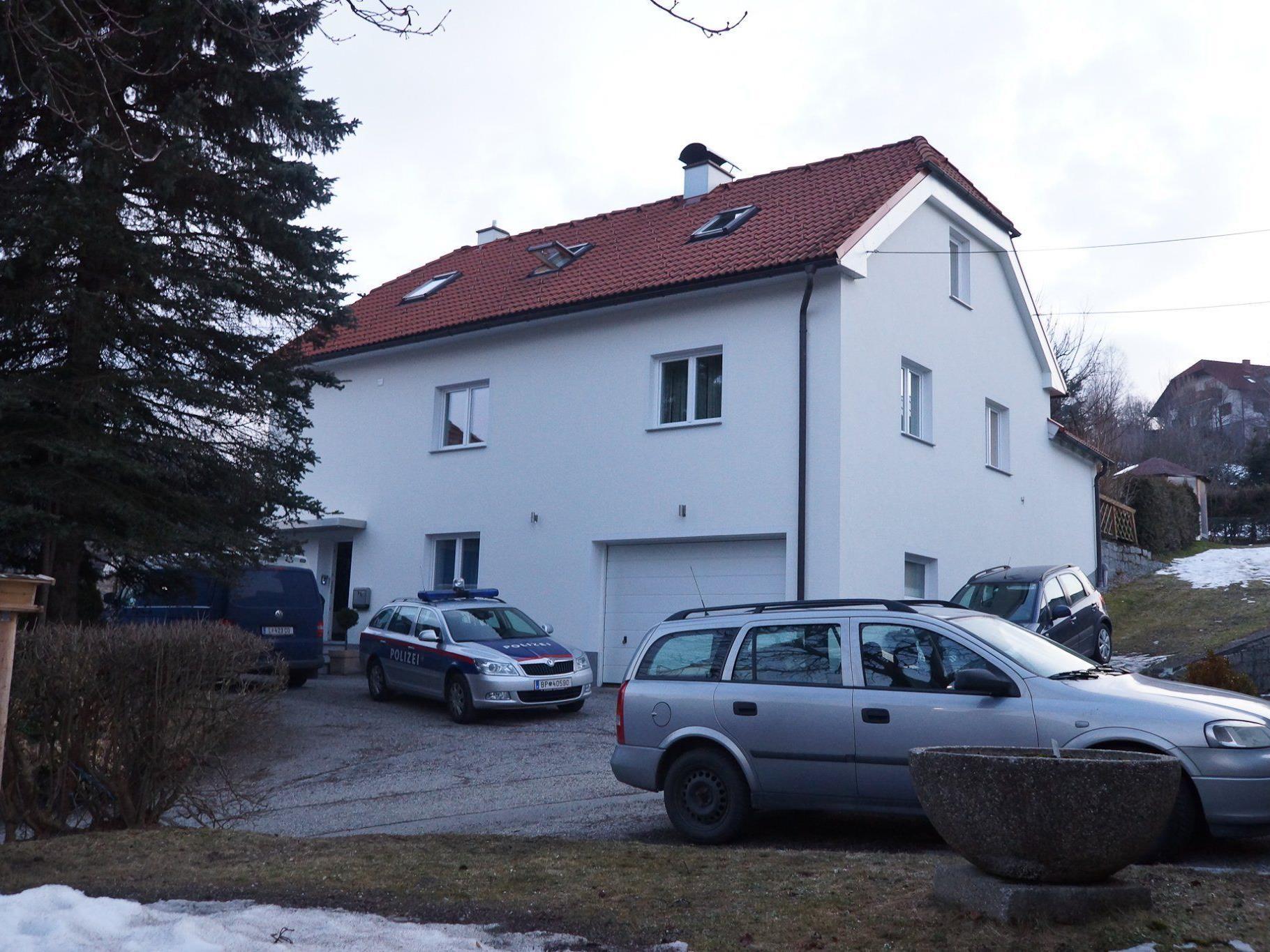 Die Mutter, die ihren eigenen Sohn in Oberösterreich erstochen hat, ist bis auf weiteres nicht vernehmungsfähig.