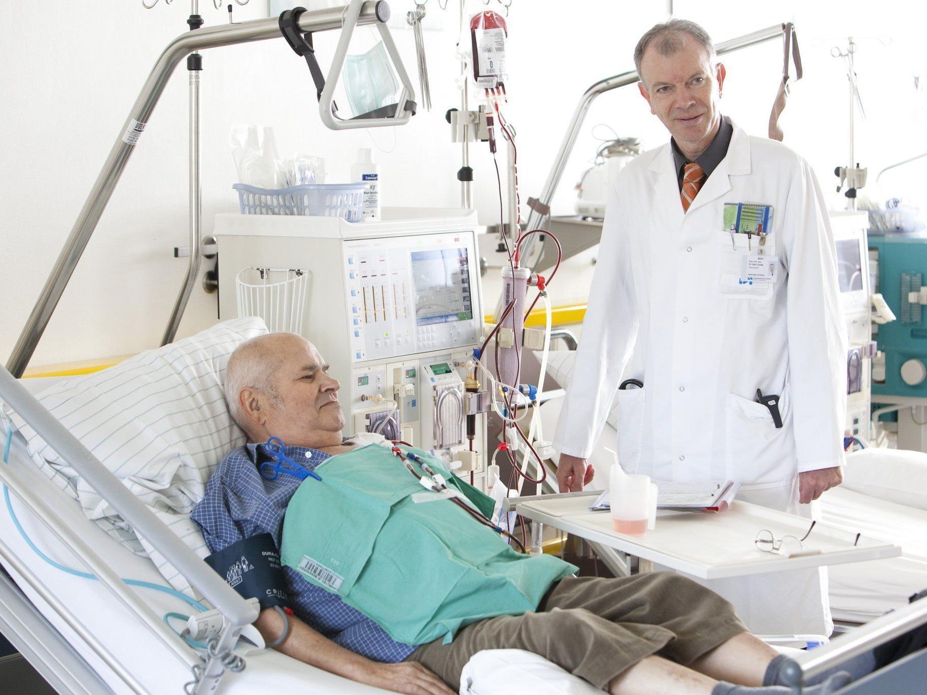 Die Wartezeit für Nierentransplantationen beträgt 2-3 Jahre.