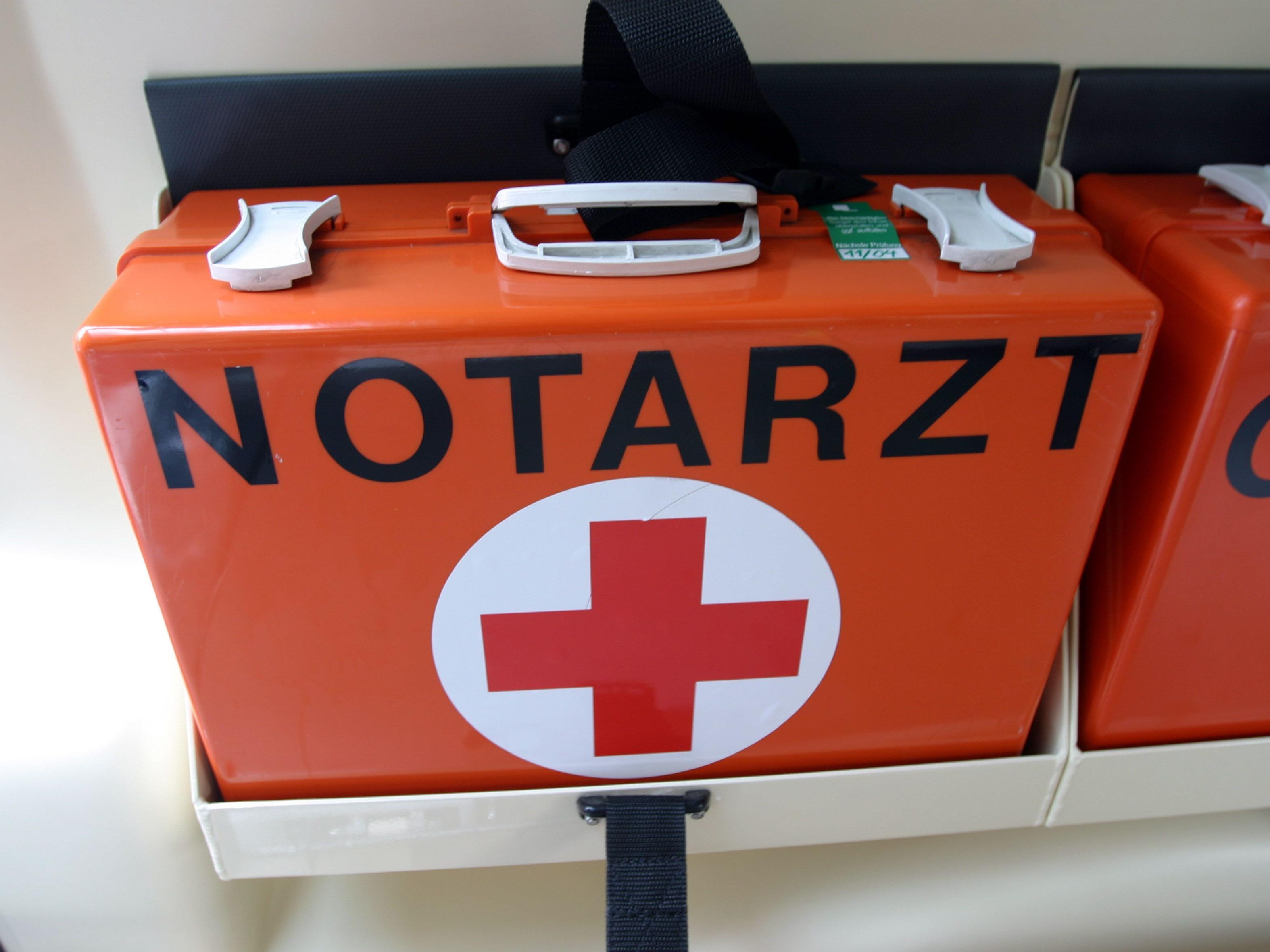 Der Salzburger wurde vom Notarzt reanimiert und befindet sich nun im künstlichen Tiefschlaf.