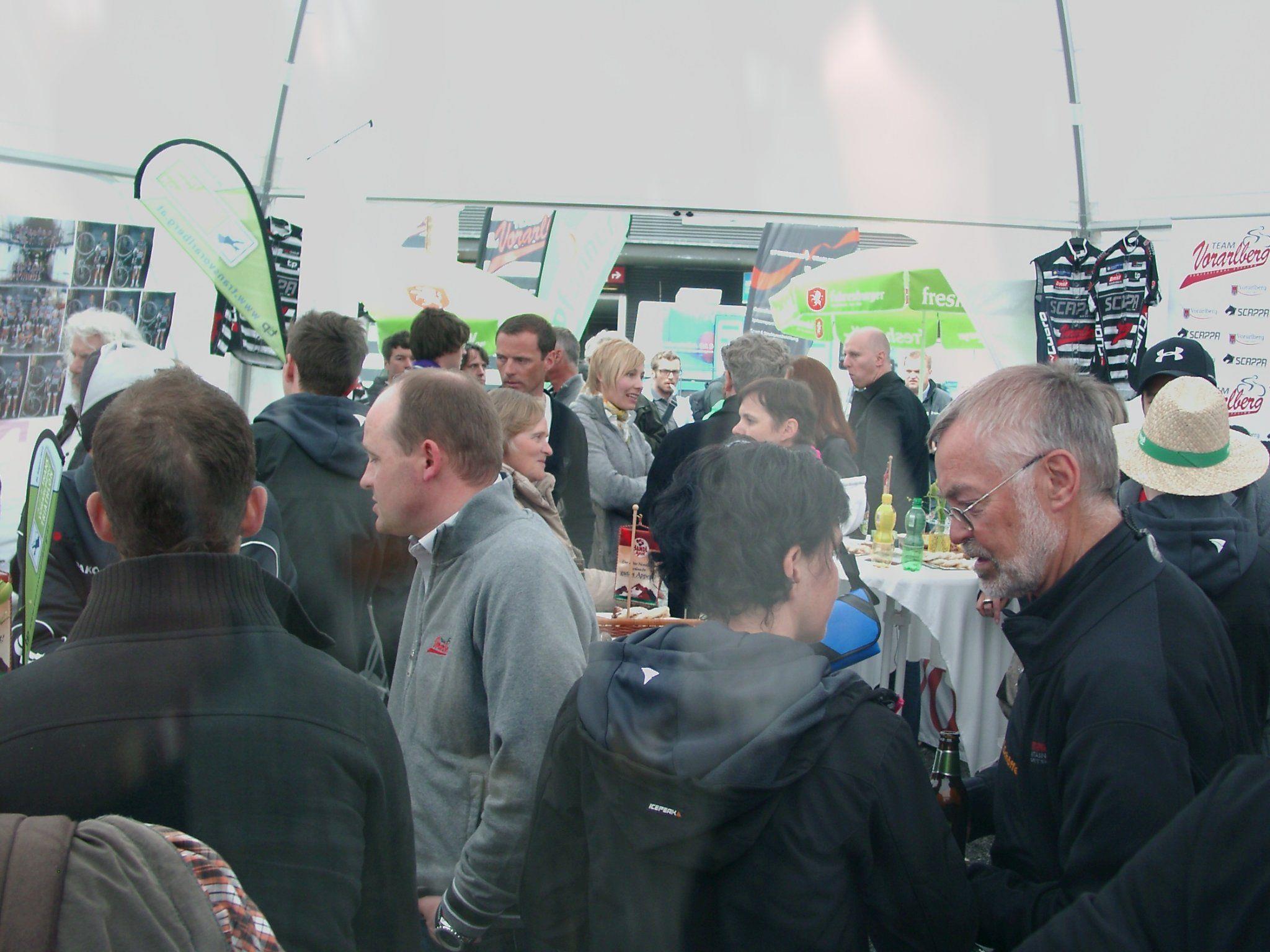 Das Zelt vom Team Vorarlberg platzte aus allen Nähten.