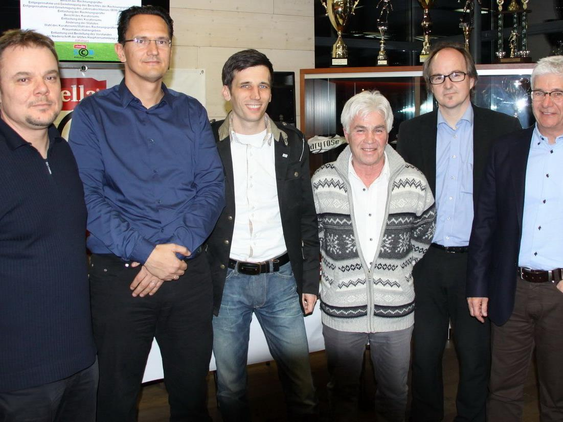 Der neugewählte Rivella SC Bregenz-Vorstand mit Neoobmann Pascal Pletsch.