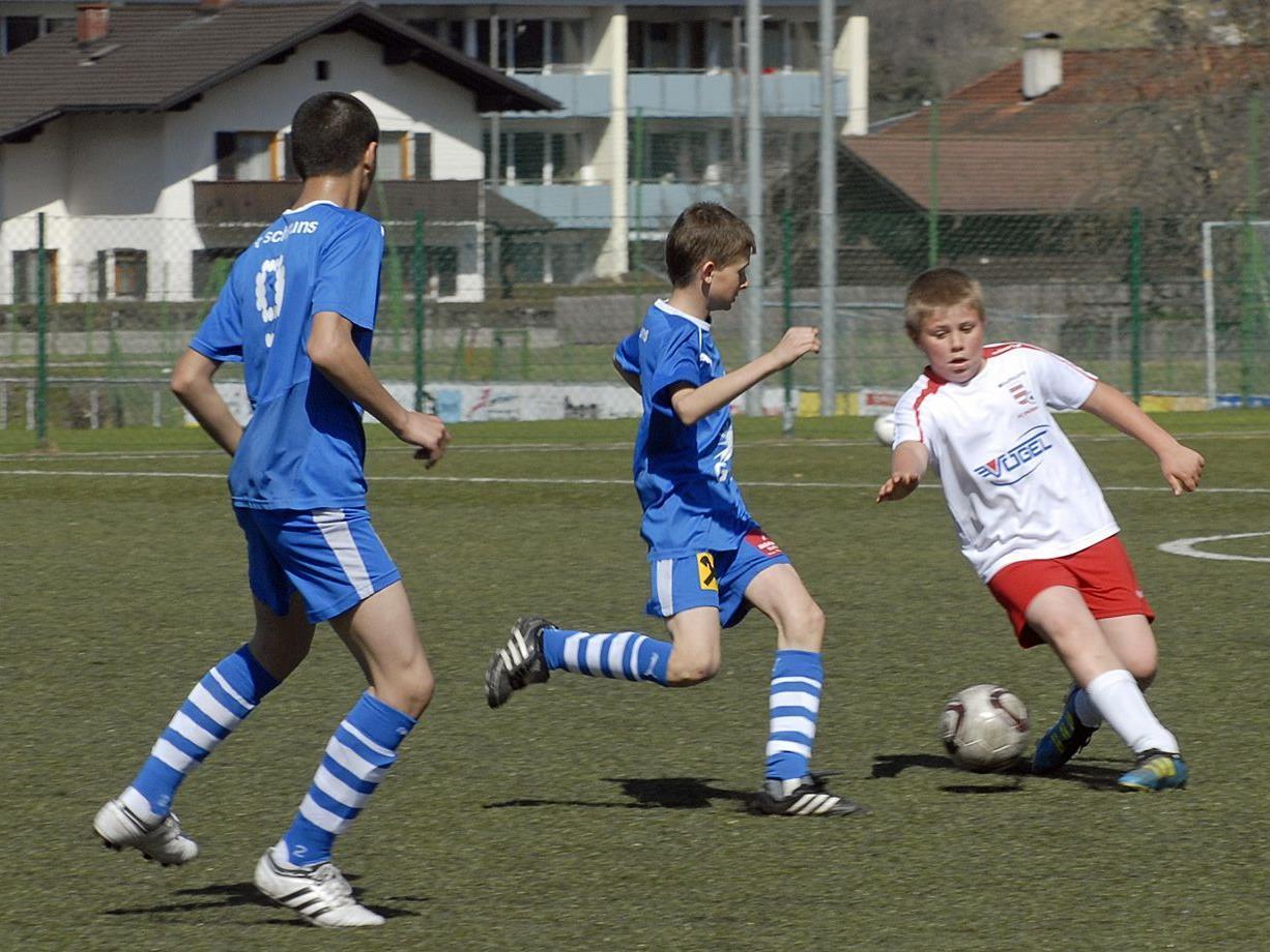 Szene aus dem Vorbereitungsspiel am 31. März 2012: SPG Montafon U12 - FC Thüringen U12