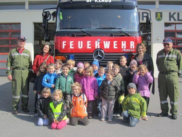 Die Kinder erlebten spannende Momente bei der Feuerwehr.