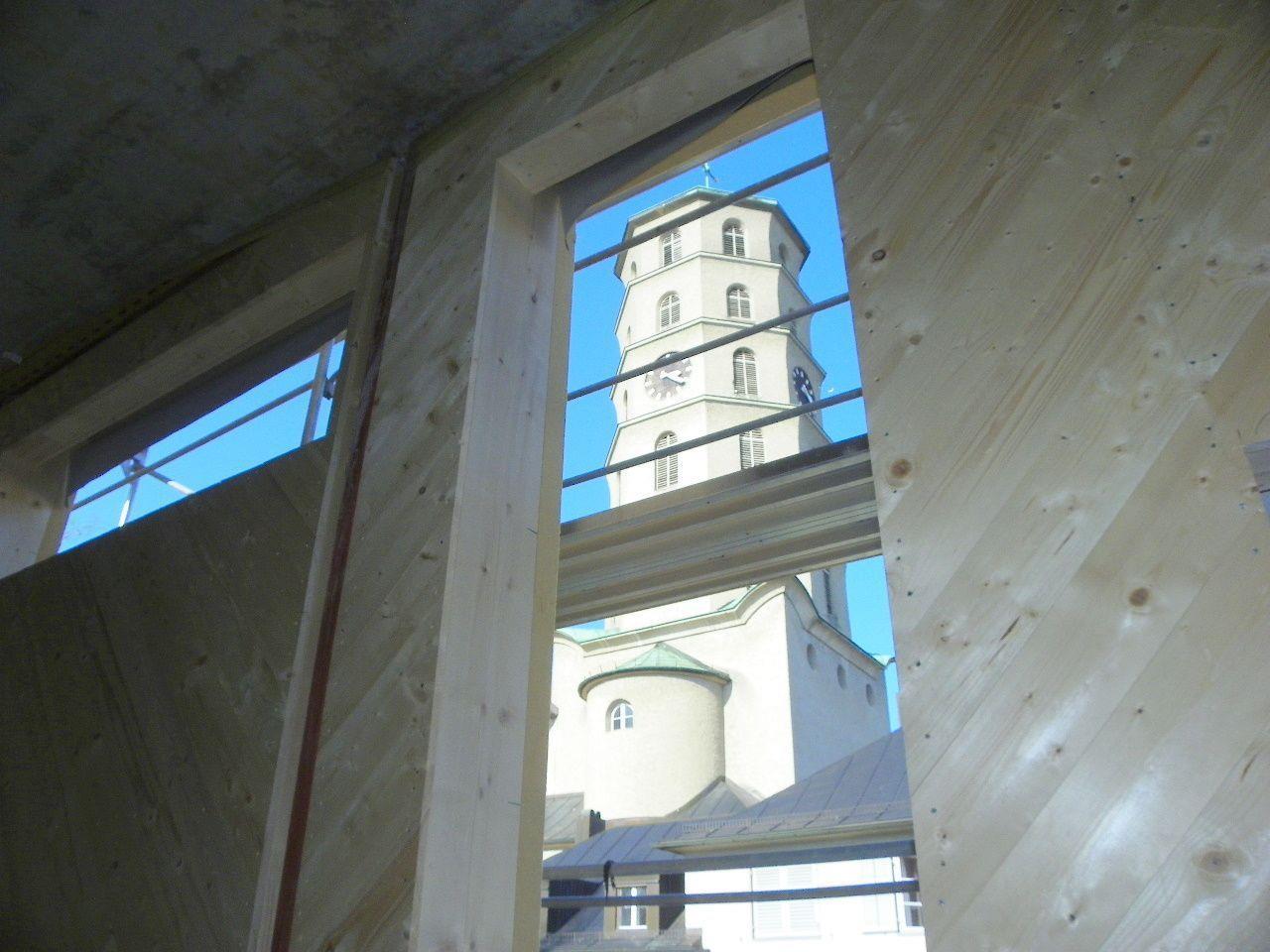 Großzügige Fensteröffnungen