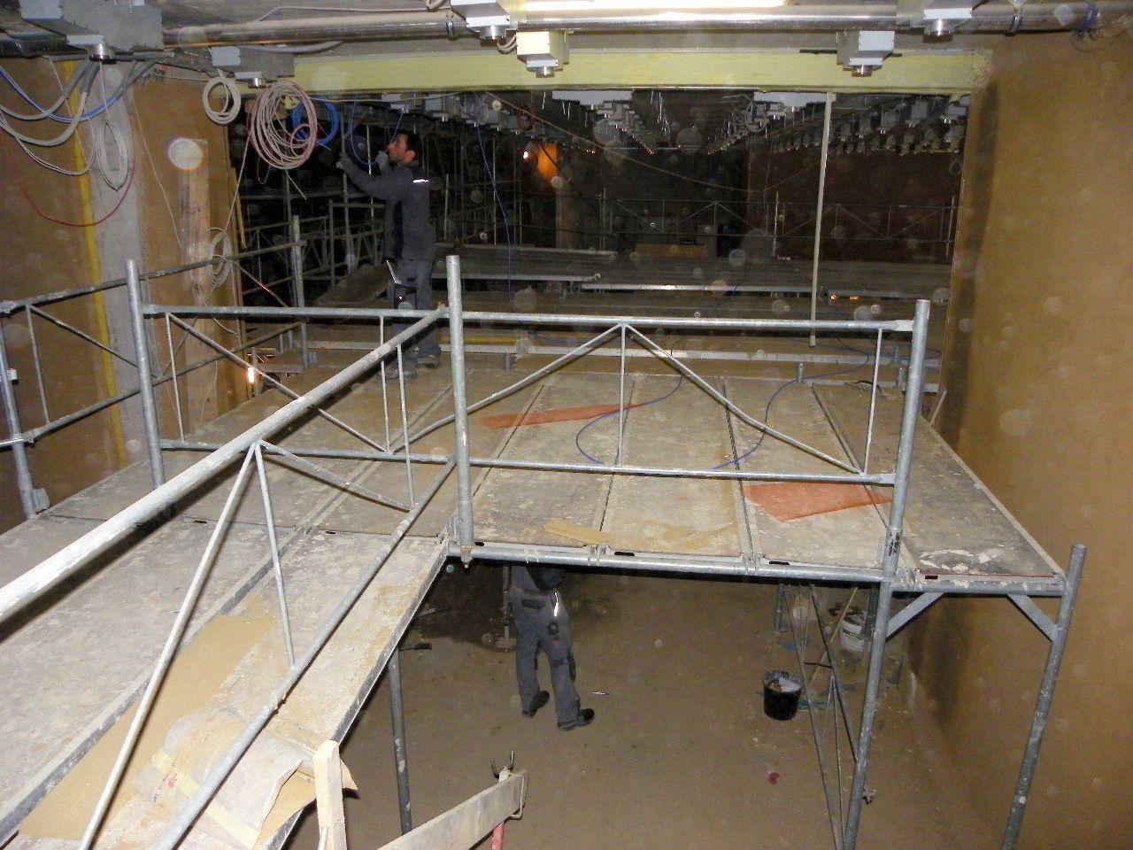 Baugerüste im Innern des Museums