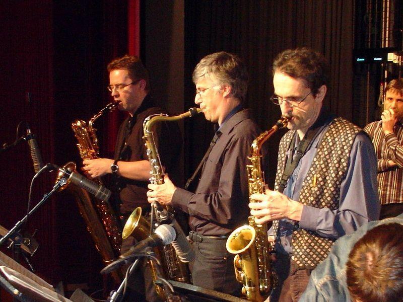 Das Lehrerkonzert anlässlich 25 Jahre Jazzseminar sollte man sich nicht entgehen lassen, denn bereits im Jahr 2006 fand ein Lehrerkonzert statt, das eine Menge Zuspruch bei Publikum und Mitwirkenden fand.