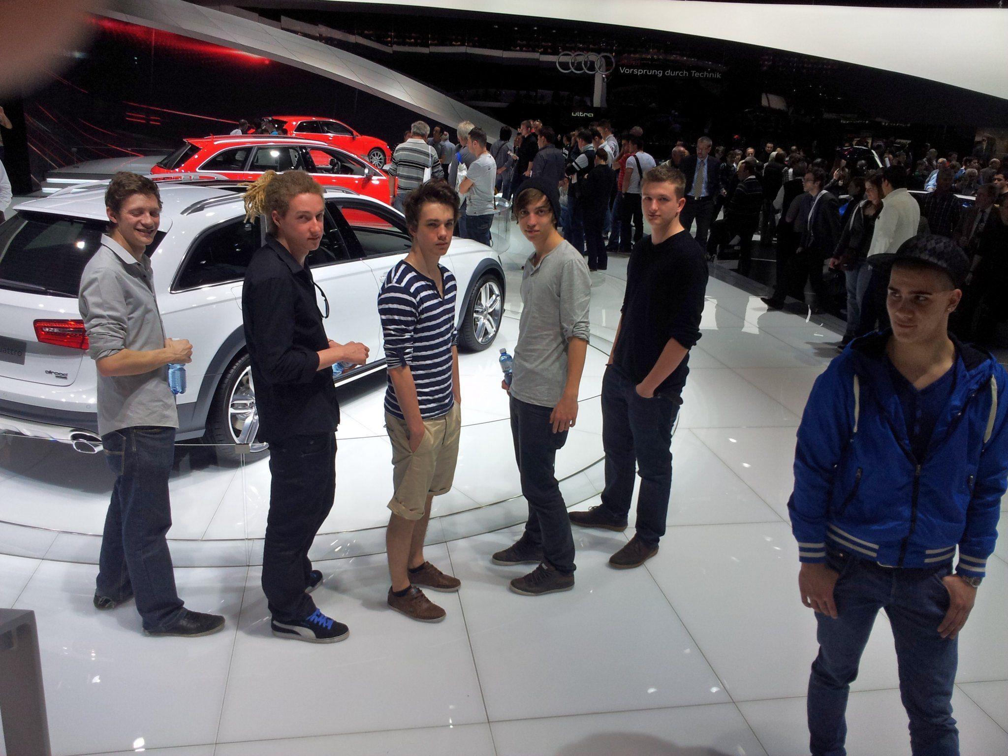 Die Schüler der HTL Dornbirn  erlebten einen unvergesslichen Tag auf dem Autosalon in Genf.