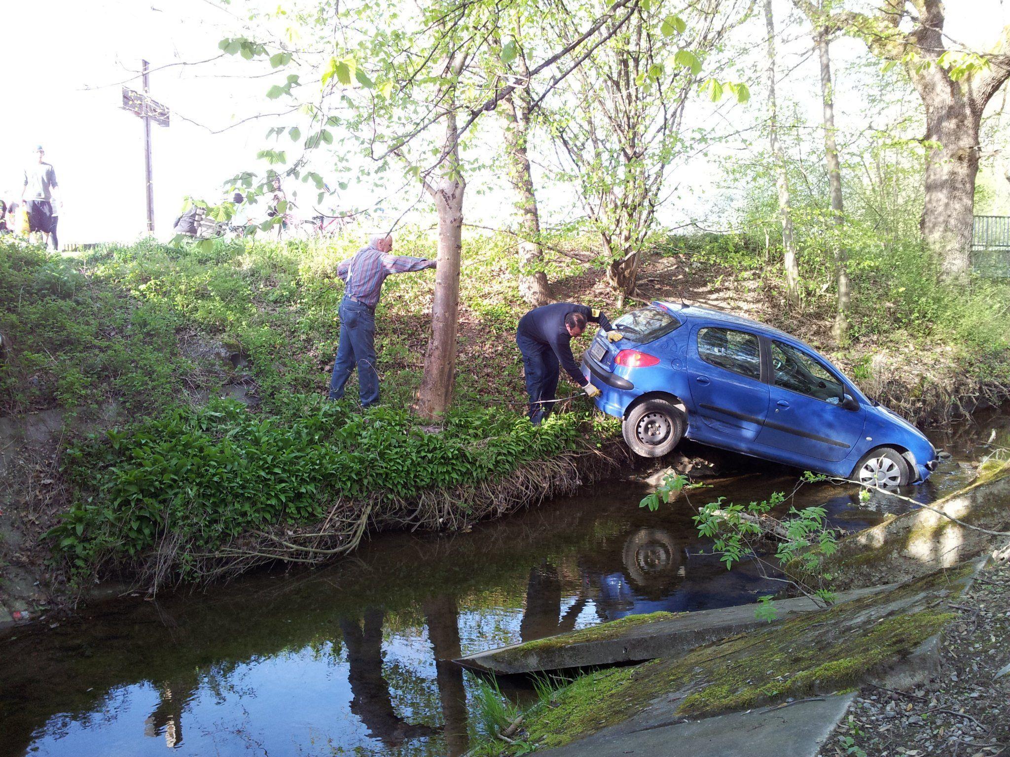 Bei dem Peugeot 206 handelt es sich um einen Totalschaden.