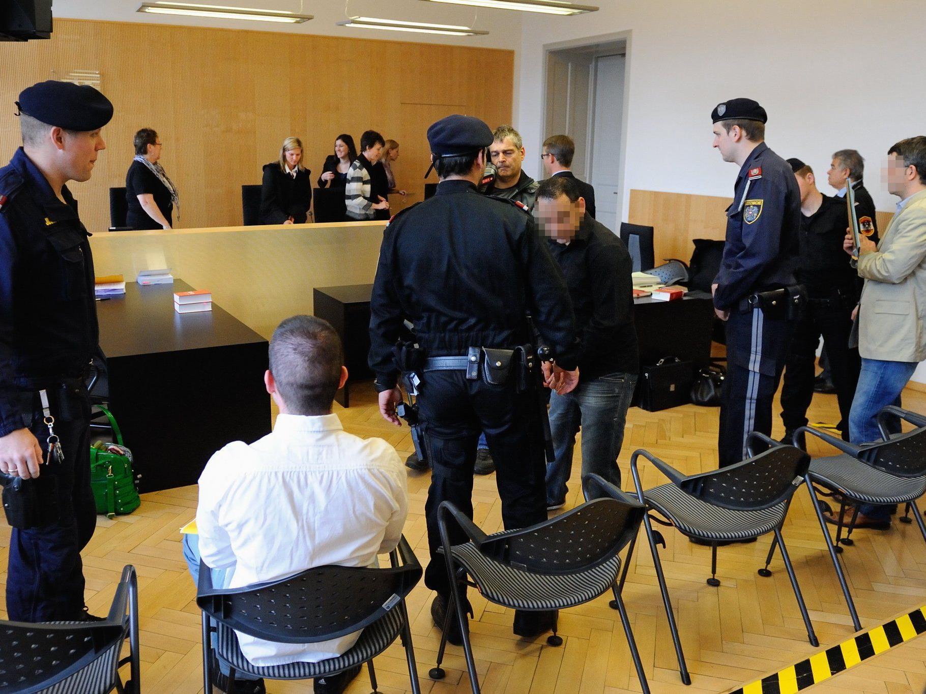 Drei Männer wegen versuchter schwerer Erpressung vor dem Landesgericht in Feldkirch