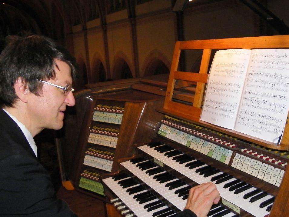Orgelvirtuose Prof. Helmut Binder