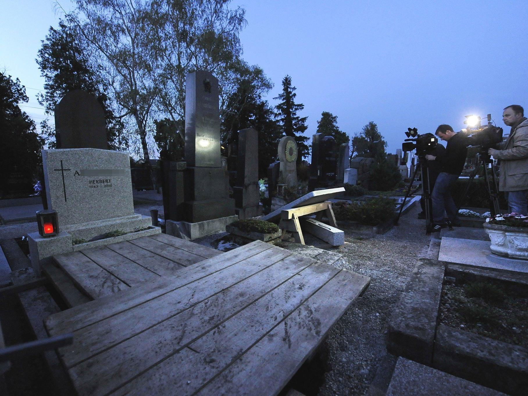 Die Exhumierung in Gumpoldskirchen soll Klarheit über die Todesfälle bringen
