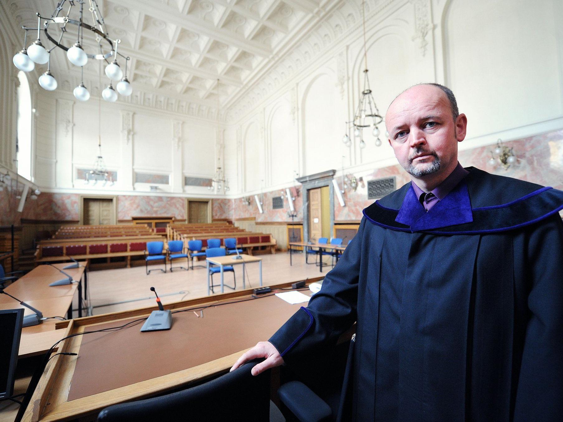 Richter Andreas Posch (46) im Schwurgerichtssaal 109. Hier wird ab Montag verhandelt.