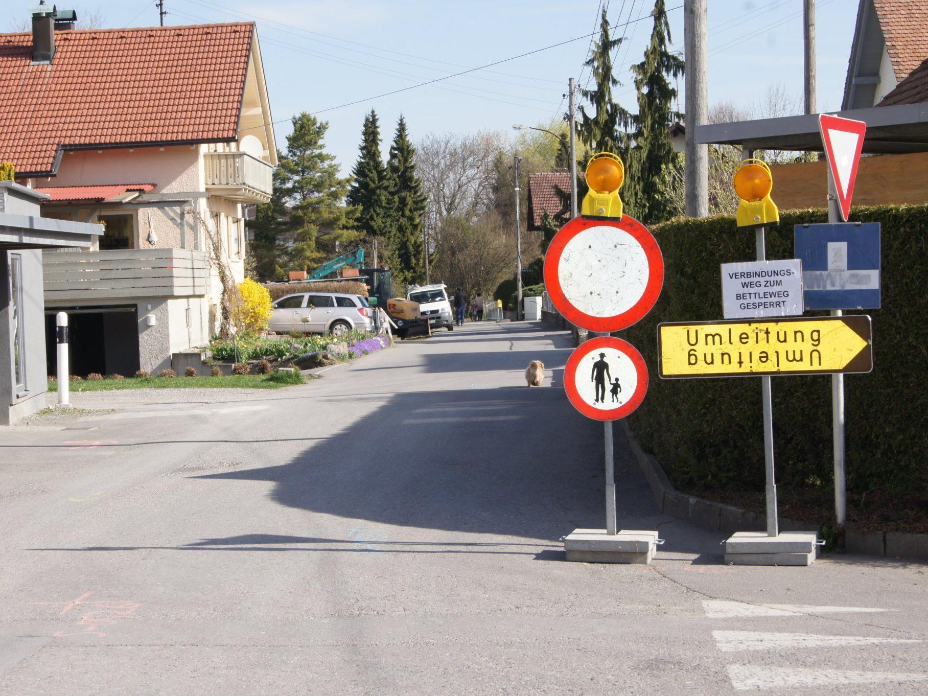 Ab der Stiftergasse besteht eine langfristige Straßensperre.