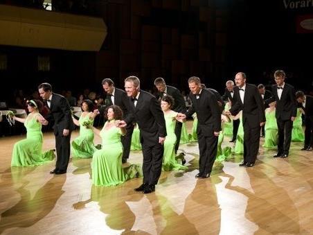 Die Eröffnungspolonaise wird wieder durch Mitglieder des TSC Swing & Dance Feldkirch getanzt werden