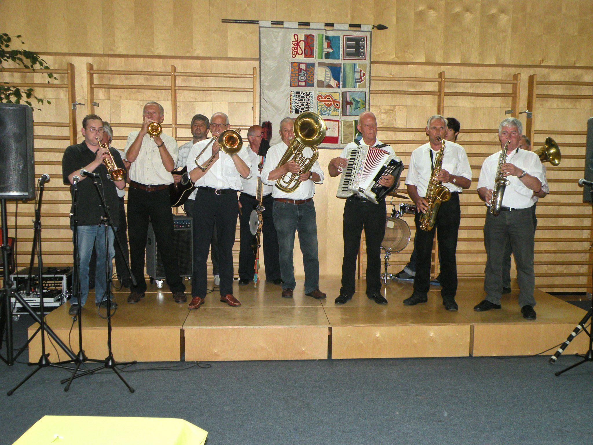 Die Tostner Straßenmusikanten beim Musikalischen Brunch des Liederhort Tosters