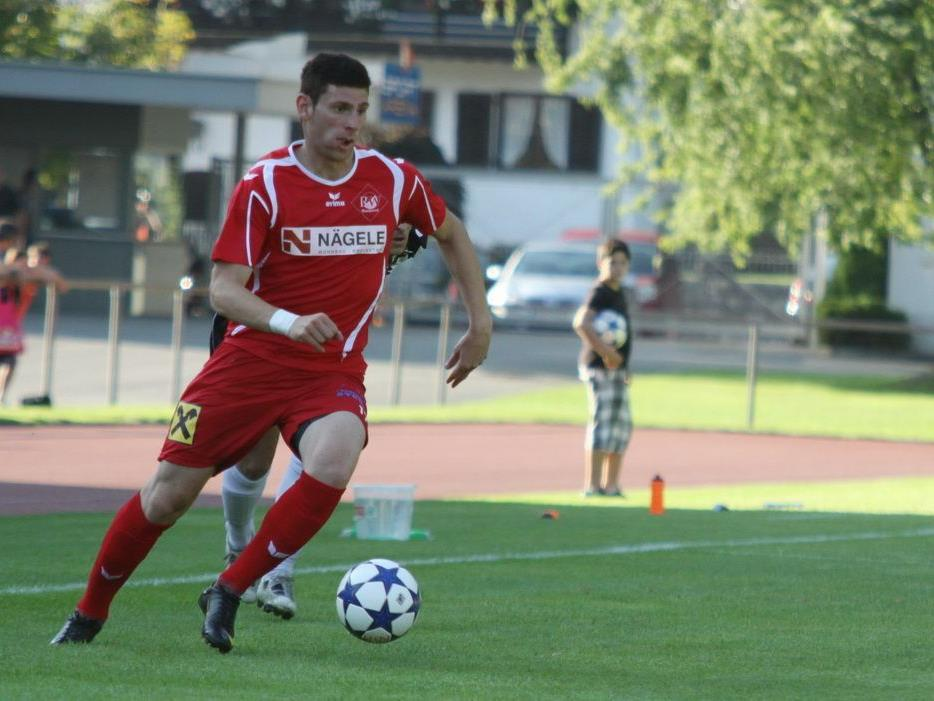 Assist und Torschütze Adem Kum beim 2:1-Auswärtssieg von RW Rankweil in Mäder.