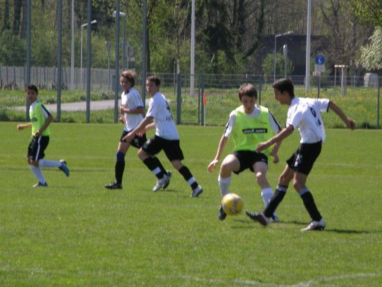 Nichts zu holen gab es für die Rätia U15-Kicker (weiße Leibchen) in Bregenz.