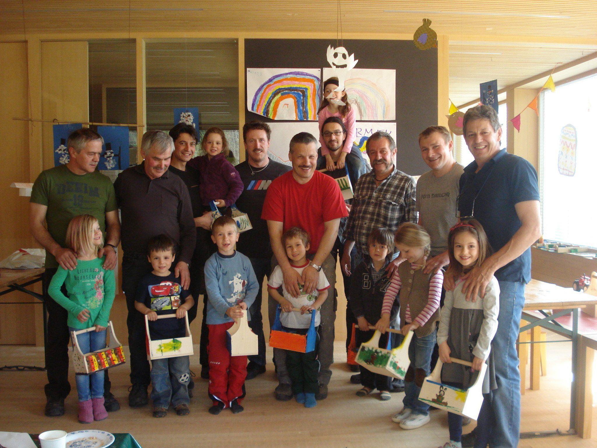 Viel Spaß hatten die St. Gerolder Kinder mit ihren Vätern im Kinergarten.