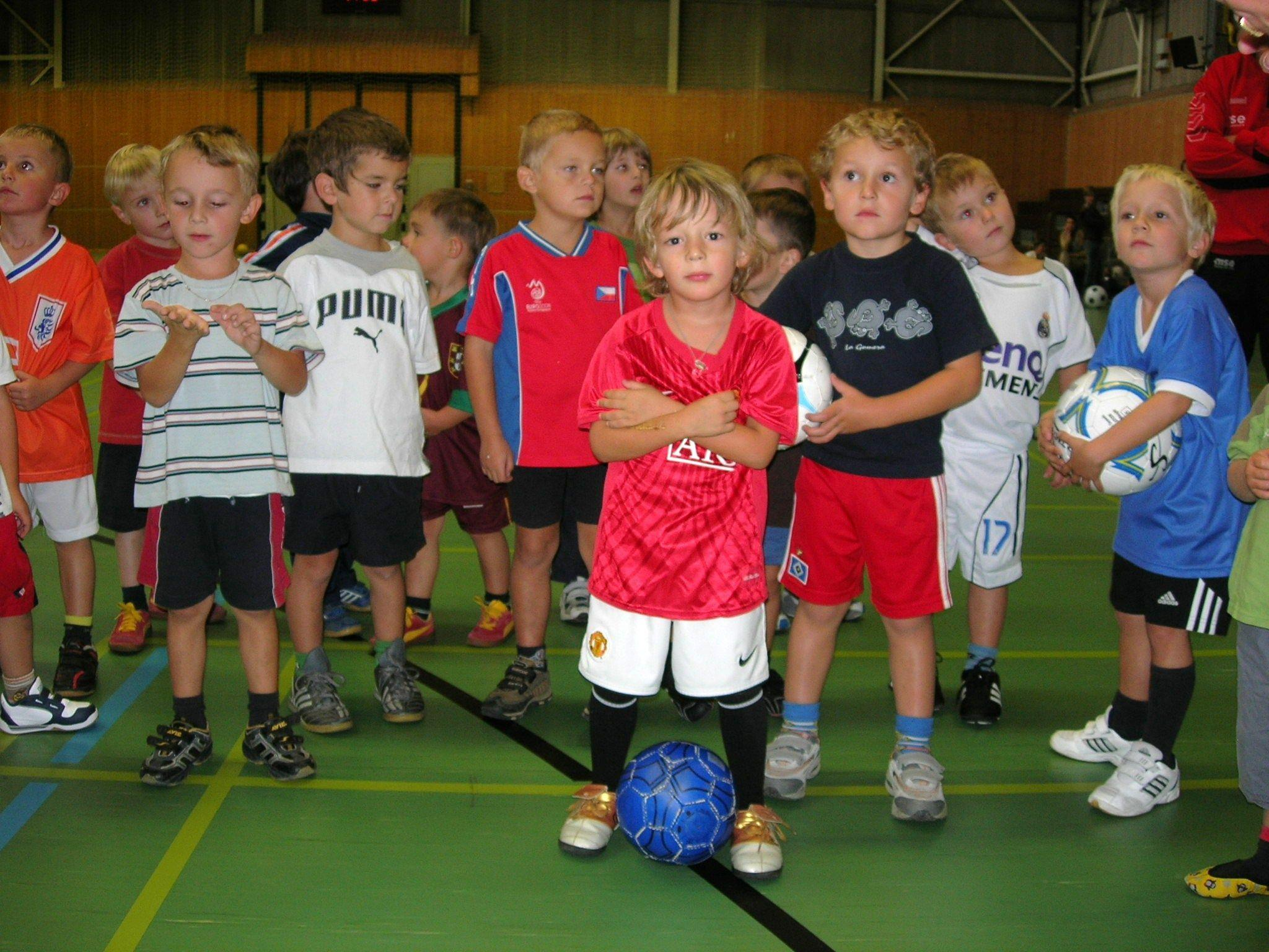 Bei den Kursen erfahren die Teilnehmer alles über das Konzept der Mini-Ballschule.