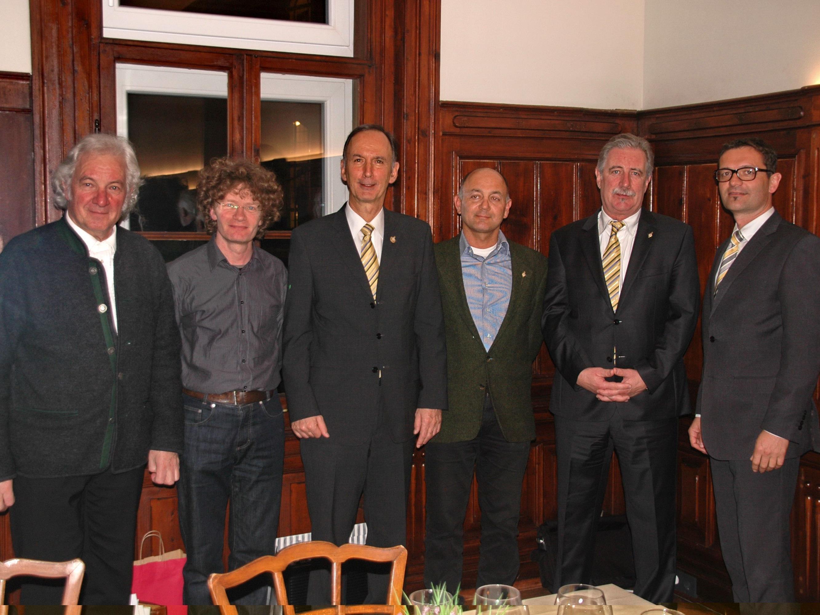 Die neuen Sänger Michael Mathis und Ferdinand Schlegel. Von links: Gunnar Breuer, Martin Lindenthal, Kurt Deuring, Michael Mathis, Ferdinand Schlegel und Claus Brändle.