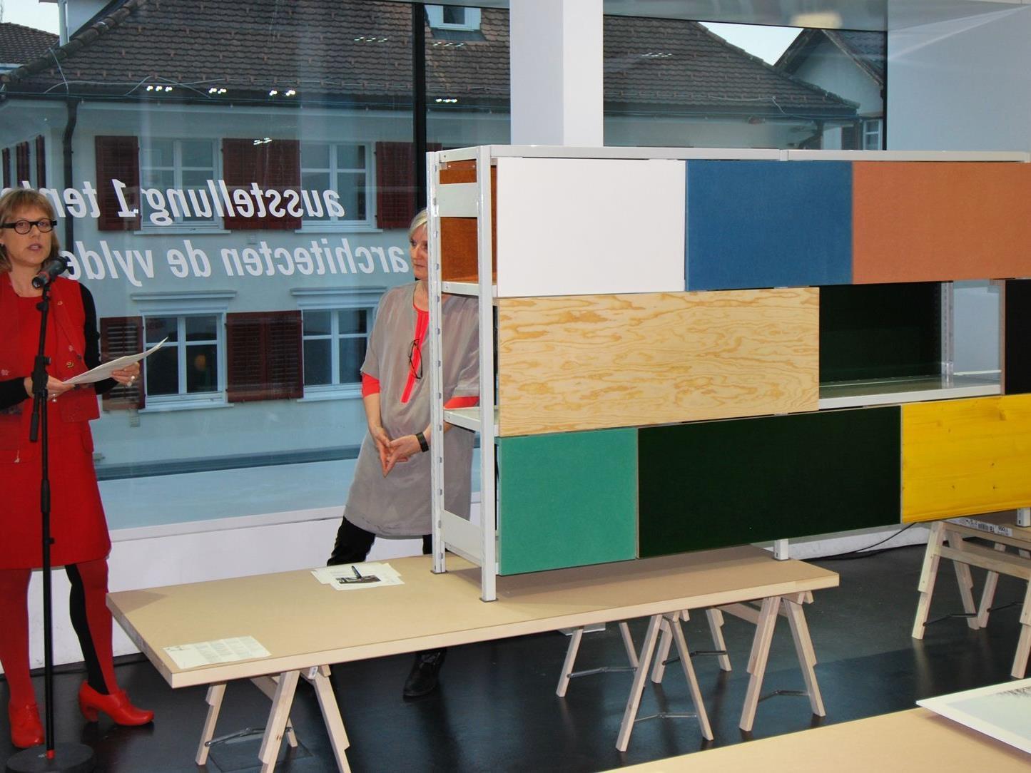 Katrien Vandermarliere vom Vlaams Architectuurinstituut spricht über die Ausstellung