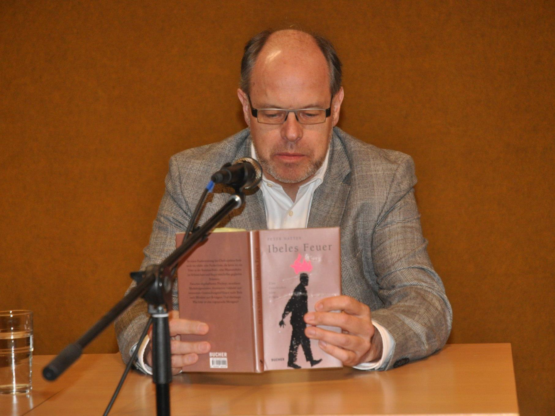 "Autor Peter Natter las aus seinem Roman ""Ibeles Feuer"""