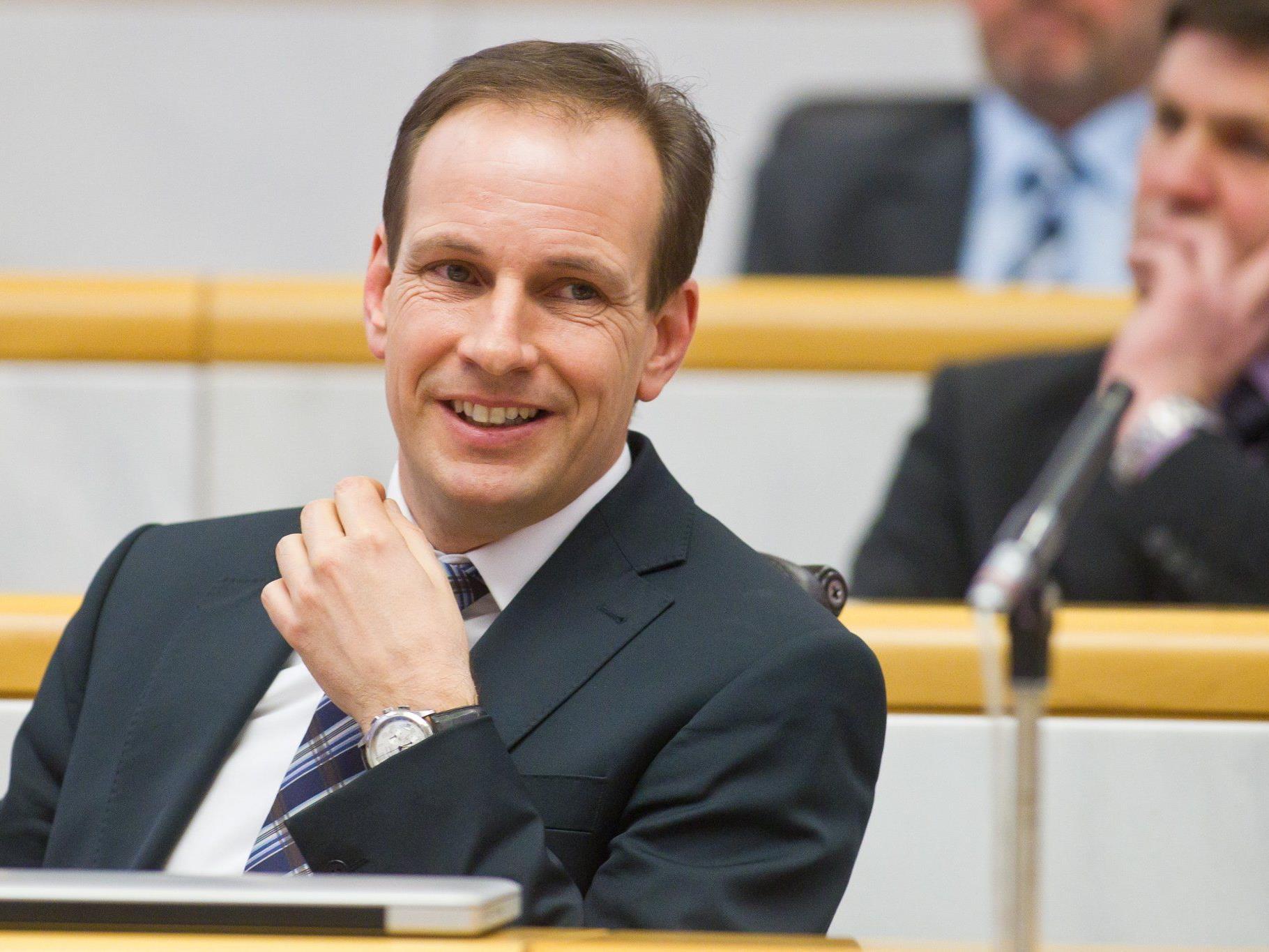 Dieter Egger kritisiert Stabilitätspakt und LH Wallner.
