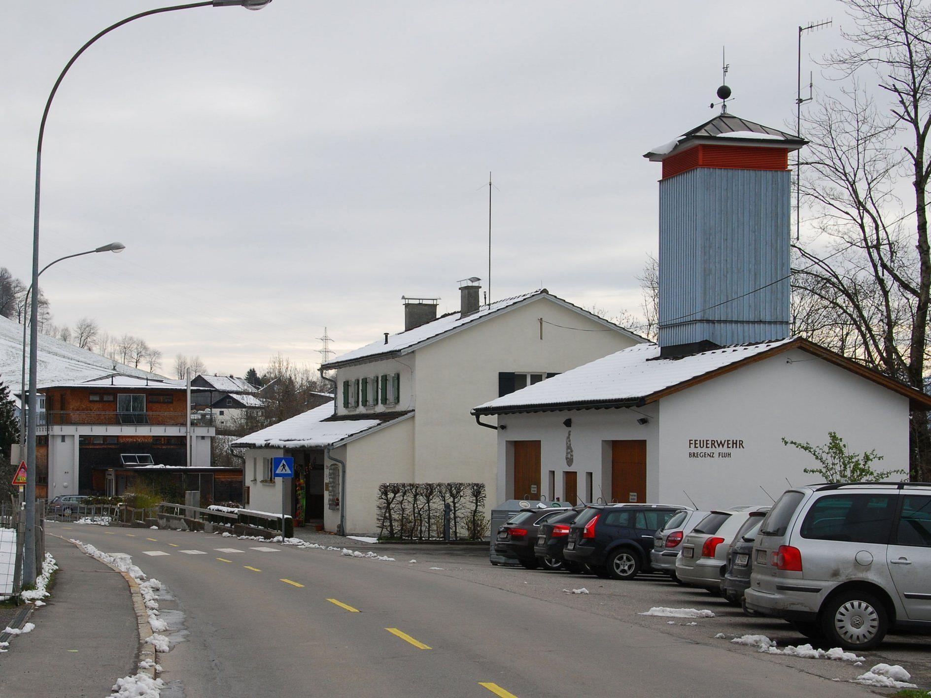Neben dem Gerätehaus der Feuerwehr entsteht das neue Mehrzweckgebäude.