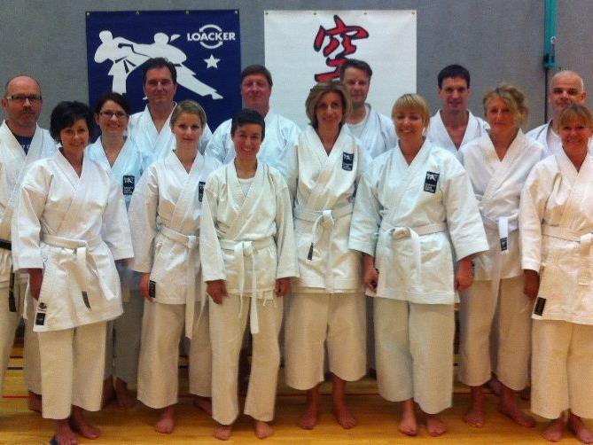 Die Erwachsenen Gruppe des Karateclubs Götzis