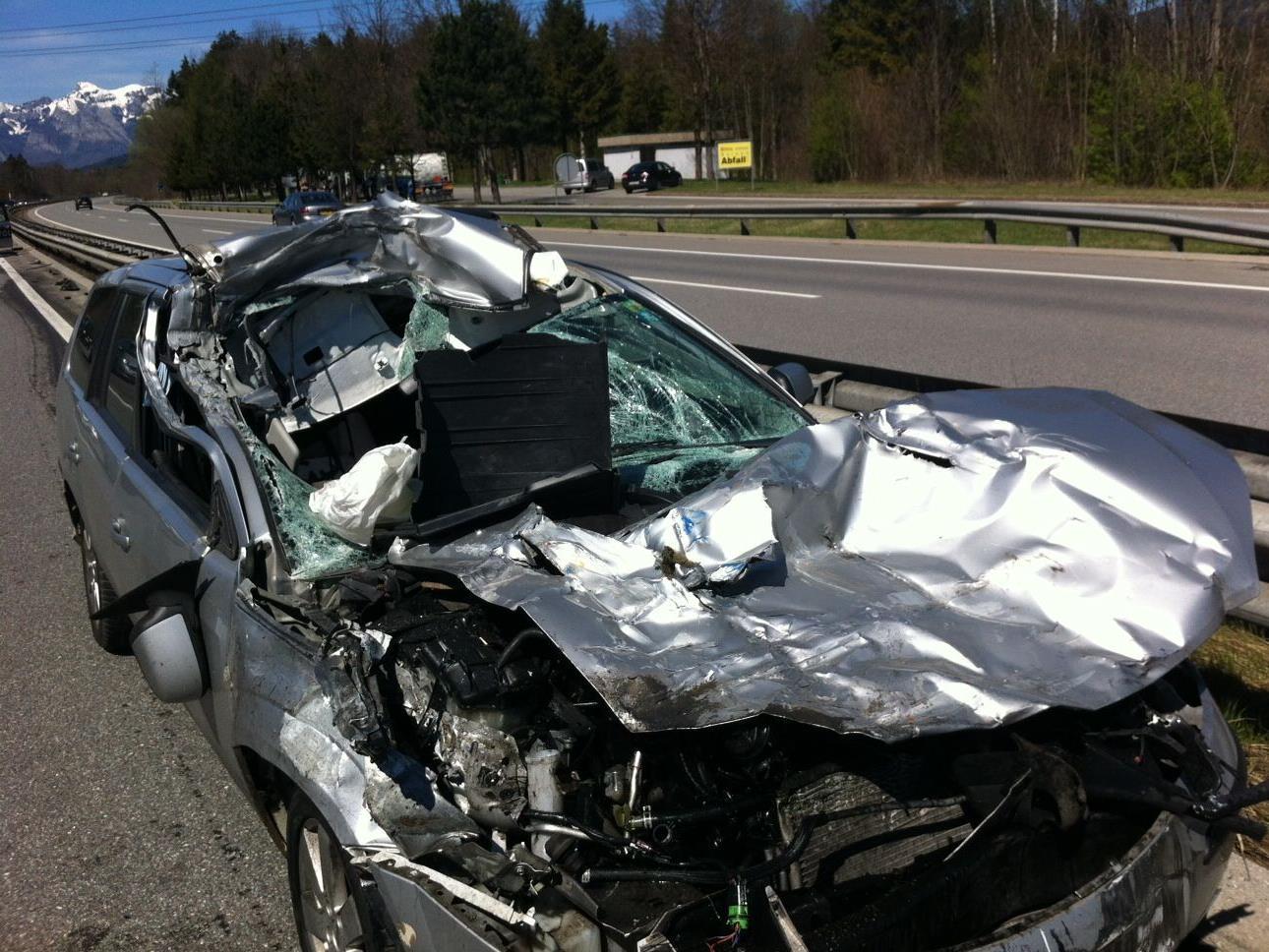 Der Pkw des Schweizers erlitt bei dem Auffahrunfall einen Totalschaden.