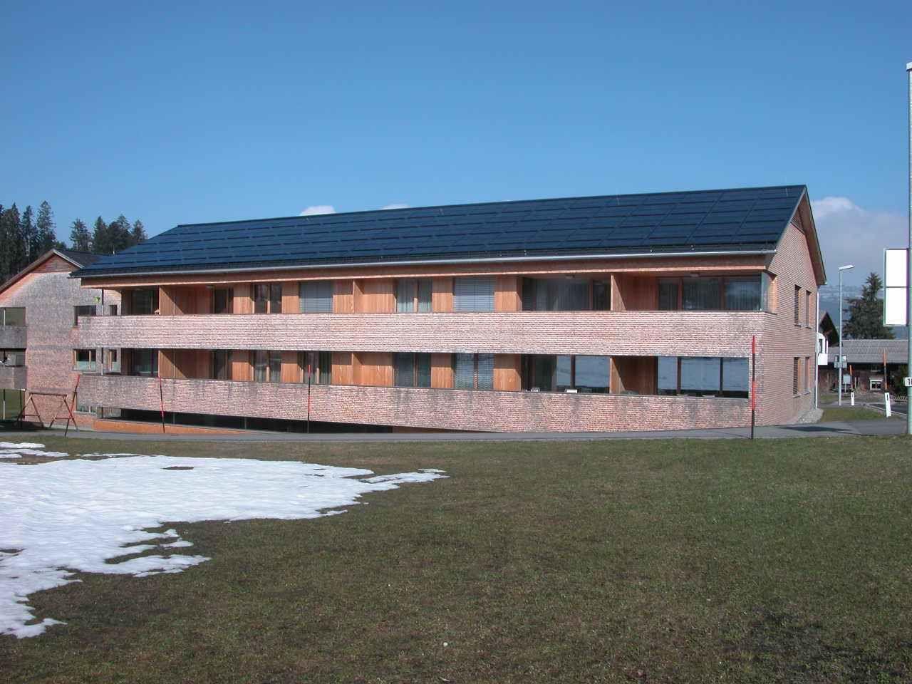 Eigene Kraftwerke am Hausdach erfreuen sich wachsender Beliebtheit.