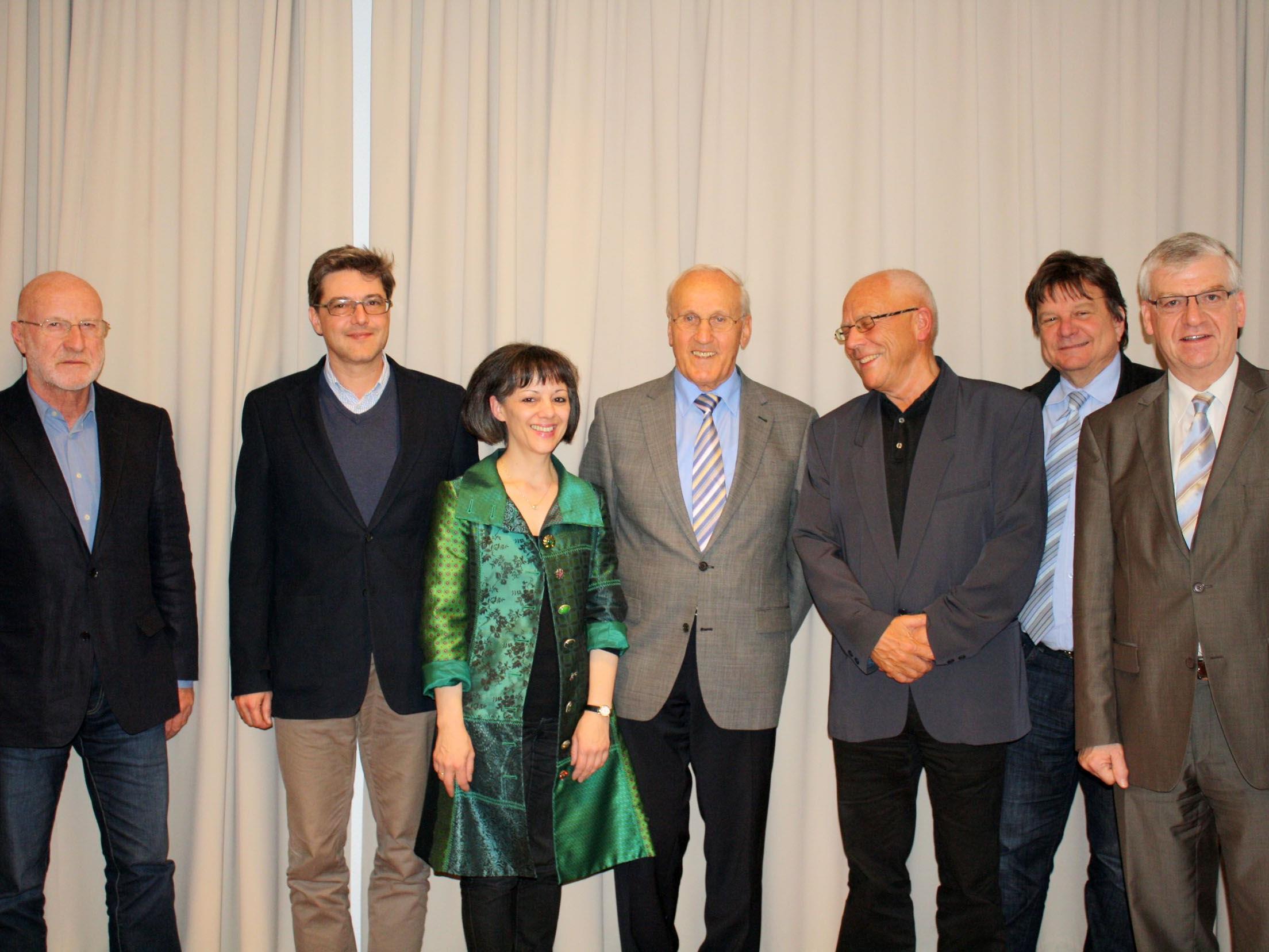 Der neu gewählte VHS-Vorstand.