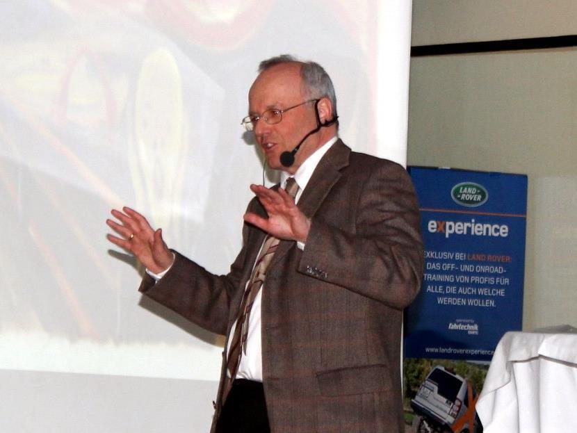 Der bekannte Facharzt Dr. Reinhard Haller gastiert in Bildstein.